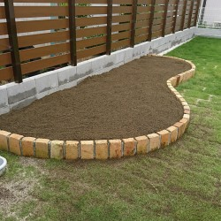 お家砂場で楽しめる庭