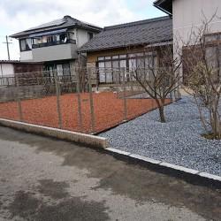 ドックランのある庭
