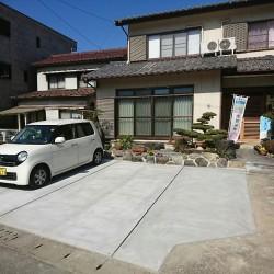 昔からの和風庭園を駐車場とオープンガーデンにチェンジ